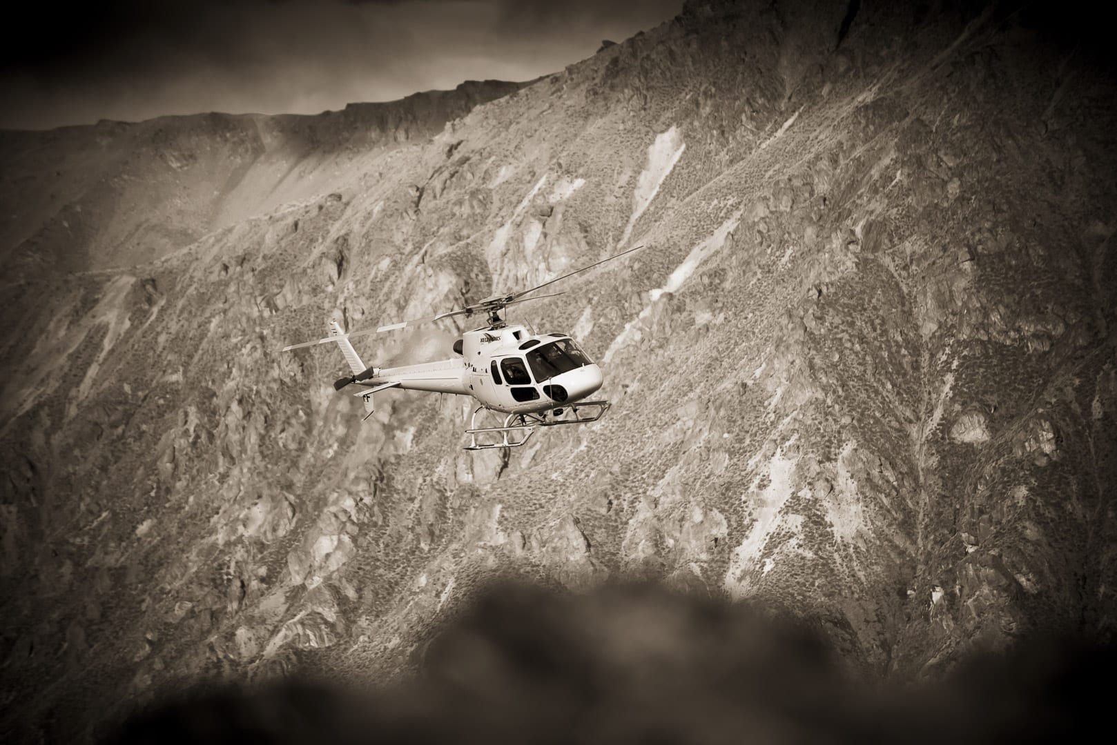 blog post featured image the complete guide to queenstown helicopter flights