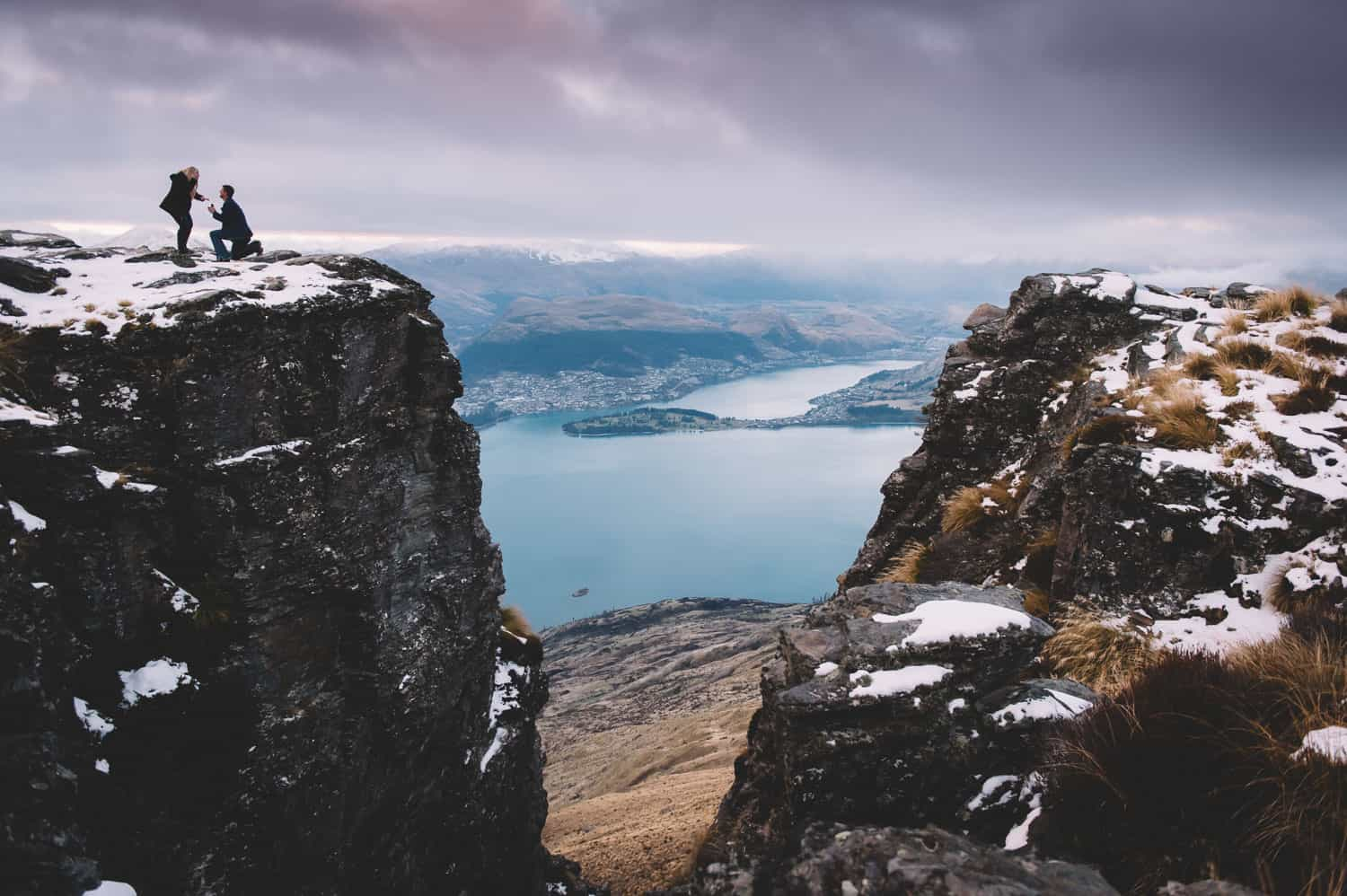 blog post featured image queenstown engagement photography 101