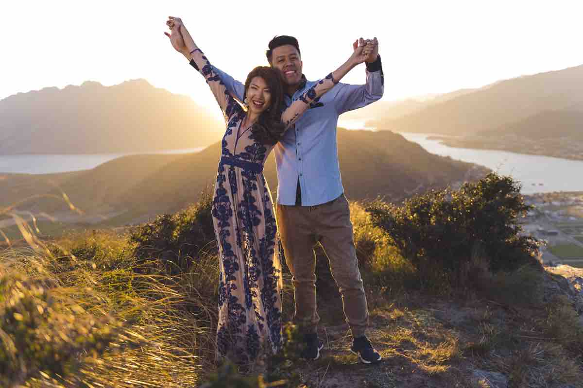 blog post featured image remarkables lookout sunset post-wedding shoot